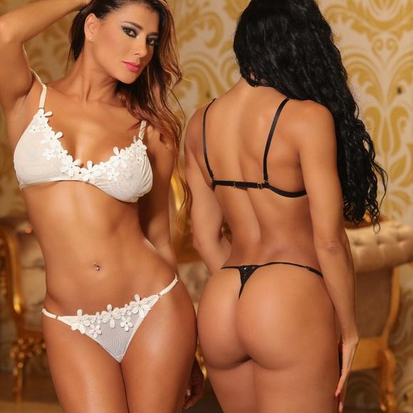 6c915b0af5768 Luxury Bra and Panty Set in Women